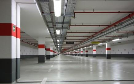 limpieza de garajes en Valencia - parking rojo