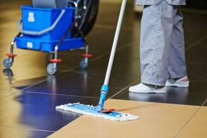 limpieza de comunidades en Valencia - suelo fregado