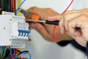 servicios de electricista en Valencia - cables