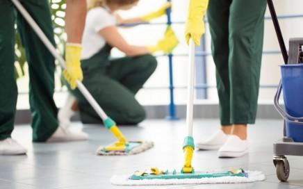 limpieza de comercios en Valencia - equipo de limpieza