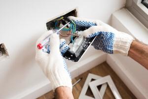 electricista barato en valencia lysmar - manos
