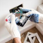 ¿Buscas un electricista barato?