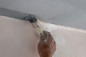 Presupuestos para pintar tu piso en Valencia - Manos