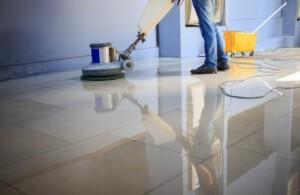 servicio de limpieza de comunidades en Valencia - maquina