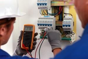 electricistas baratos en Valencia - medición
