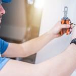 ¿Cómo saber si los electricistas baratos son profesionales?