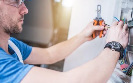 electricistas baratos en valencia - herramienta