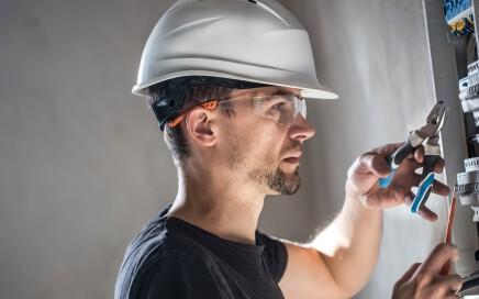 electricistas baratos en valencia - técnico
