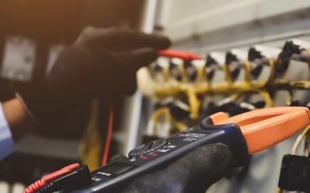 trabajos de electricidad en valencia - reparación