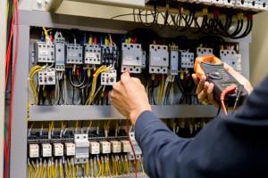 trabajos de electricidad en valencia - revision