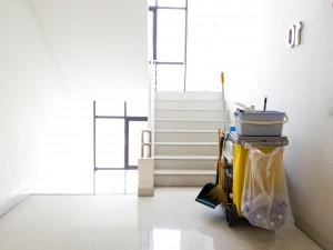 limpieza de colegios en valencia - escaleras-